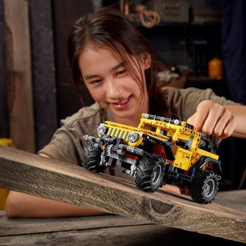 Конструктор LEGO Technic Jeep Wrangler 42122 Превью 6